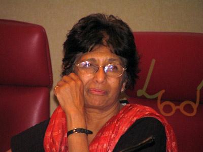 லக்ஷ்மி ஹோம்ஸ்ரோம்